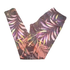 Onzie women's tropical leaf print leggings black